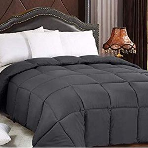 Other - Queen Down Alternative Comforter Plush Siliconized